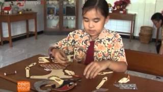 Download Putri Darmawan si Pembuat Wayang Video