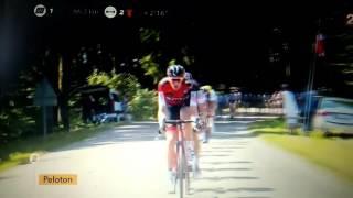 Download Coureur Sky fait pipi devant la caméra - Tour de France 2017 Video