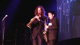 Download Kenny G and Austin G ″Over the Rainbow″ at Humphrey's San Diego Video