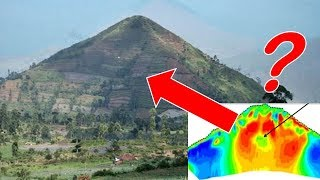 Download Scientists PREVENT Excavation of Chamber INSIDE World's Oldest Pyramid 25,000 Years Old - Indonesia Video