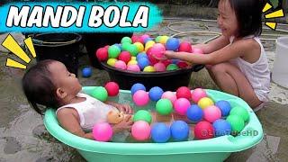 Download Mainan Anak Lucu Mandi Bola - Kids Pool Fun Balls Lifia Niala @LifiaTubeHD Video