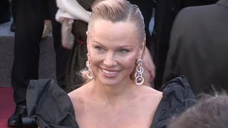 Download Pamela Anderson on the red carpet for the Premiere of 120 battements par minutes Video