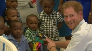 Download Prince Harry plays with children in Barbados Video