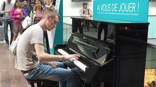 Download Passenger Impressively Plays Piano at Train Terminal in Paris (HD 60fps) Video