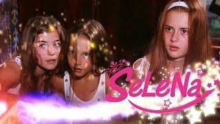 Download Selena kızlara özel güçlerini öğretiyor! Video