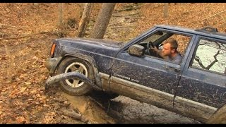 Download Idiot in Jeep Challenges Land Cruiser Video