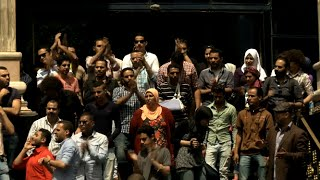 Download Egyptian Journalists Protest Against Police Raid on Press Syndicate Video