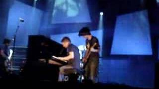 Download Radiohead 'videotape' (live at bonnaroo 2006) Video
