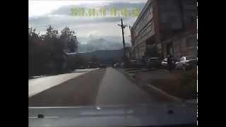 Download Свидетели ДТП Догнали Тойоту, Вытолкнувшую Машину Под Встречный Грузовик Video