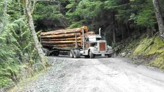 Download Tims 1948 Peterbilt With 600 horse Cummins Poppin JAKE! Video