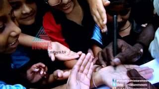 Download A Day with Snake Catcher ″Vava Suresh″-Vava Sureshinte Oru Divasam Part 1 Video