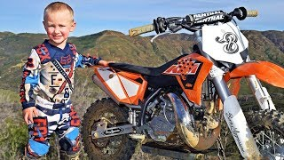Download 4-Year-Old Biker Is A Motocross Superstar Video