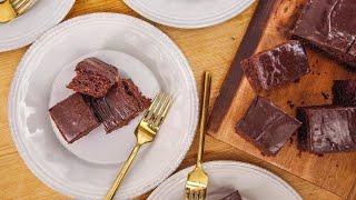 Download Patricia Heaton's Cherry Cola Sheet Cake | Rachael Ray Show Video