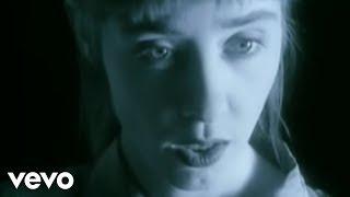 Download Suzanne Vega - Luka Video