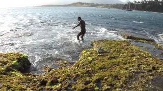Download Pêcheur de langoustes - Libanona, Fort-Dauphin - Madagascar Video