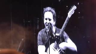 Download Pearl Jam - I Wont Back Down (Tom Petty) - Wrigley Field (August 18, 2018) Video