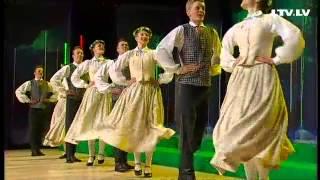 Download Nikolajs Puzikovs un Ogres KC bērnu tautas deju studija ″Pīlādzītis″ - Mūžīgi laimīgi Video