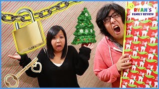 Download Toy Master Escape the Christmas Box Fort Maze Room Challenge!!! Video