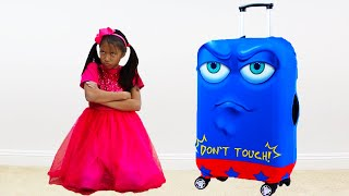 Download Wendy Pretend Play with New Robot Luggage Suitcase Traveling Toy for the Holidays Video