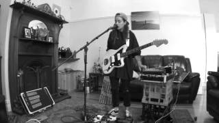 Download TASH SULTANA - JUNGLE (LIVE BEDROOM RECORDING) Video