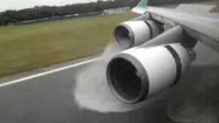 Download Boeing 747 - 400 Amazing Landing and Reverse Thrust Spray - Eva Air Video