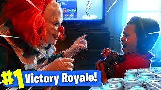 Download 9 YEAR OLD KID GETS SCARED BY A KILLER CLOWN WHILE ALMOST WINNING IN FORTNITE PRANK! (GONE WRONG!) Video