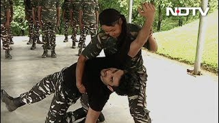 Download Jai Jawan: Women CRPF Squad Wows Sushant Singh Rajput With Self Defence Techniques Video