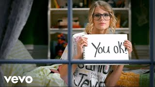 Download Taylor Swift - You Belong With Me Video
