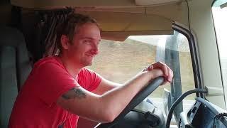 Download Niespodzianka na promie, kierowca ciężarówki OCZYMA PODWÓJNEJ Video