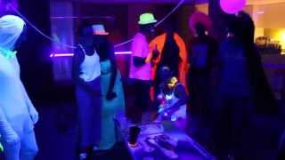 Download How to host an amazing glow party Video