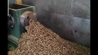 Download pellet 12mm z brykieciarki BT60 słoma Video