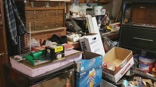 Download A clean sweep: Getting rid of your clutter Video