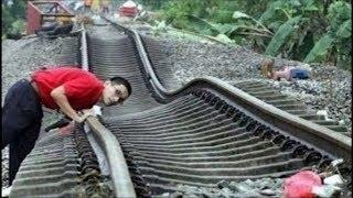 Download ఇక్కడ ట్రైన్ ఎలా వెళ్తుందో చూడండి. 5 ప్రమాదకరమైన రైల్వే మార్గాలు |Top 5 Dangerous Railway Routes Video