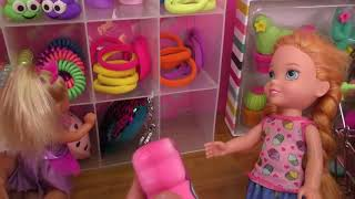Download Shopping ! Elsa and Anna toddlers buy from Claire's store - Barbie Video
