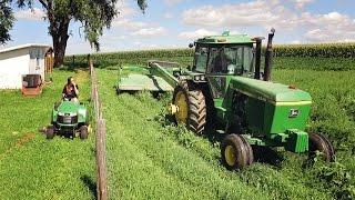 Download Cutting Hay - John Deere 4640 & 735 MoCo Video