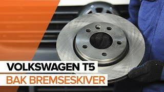 Download Hvordan bytte bak bremseskiver og bak bremseklosser på VOLKSWAGEN T5 BRUKSANVISNING | AUTODOC Video
