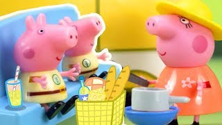 Download Peppa Pig Official Channel | Peppa Pig Stop Motion: Peppa Pig's Surprise Holiday Video