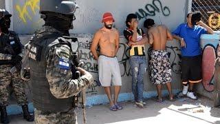 Download Policías atrapan cabecillas de pandillas en Honduras Video