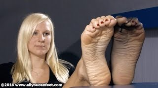 Download Zoe - Nylon & Bare Soles Video