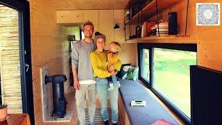 Download Leben im Containerhaus - Pärchen baut sich ein Tiny House aus Schiffscontainern Video