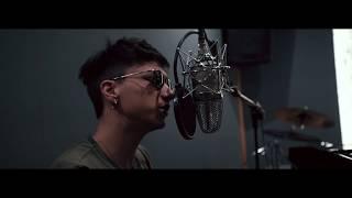 Download ULTIMO - SOGNI APPESI (Live in Studio) Video