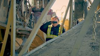 Download Tony Beets's Dredge Is Dead In The Water | Gold Rush Video