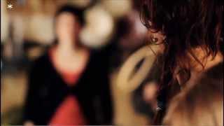 Download Anna Roig i l'ombre de ton chien · Corro sota la pluja ( Concerts privats · Minifilmstv ) Video