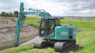 Download Kobelco SK140SRLC with a sliding dipper arm Supplied by Molson Group Video