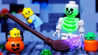 Download LEGO CITY HALLOWEEN | Baby Trick or Treat Fail | LEGO STOP MOTION Video