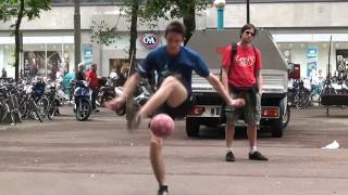 Download Amsterdam Freestyle Football Meeting 2010 Video