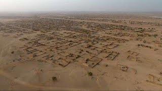 Download Des fosses communes découvertes au Mali, dans la région de Kidal Video
