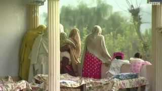 Download پاکستان ۔ والدین نے اپنی پندرہ سالہ بیٹی کو مار ڈالا. Video