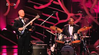 Download Oscar Peterson Quartet - You look good to me. Video