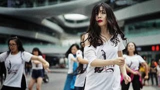 Download Flashmob Flamenco Bienal de Sevilla 2016 - Beijing, China Video